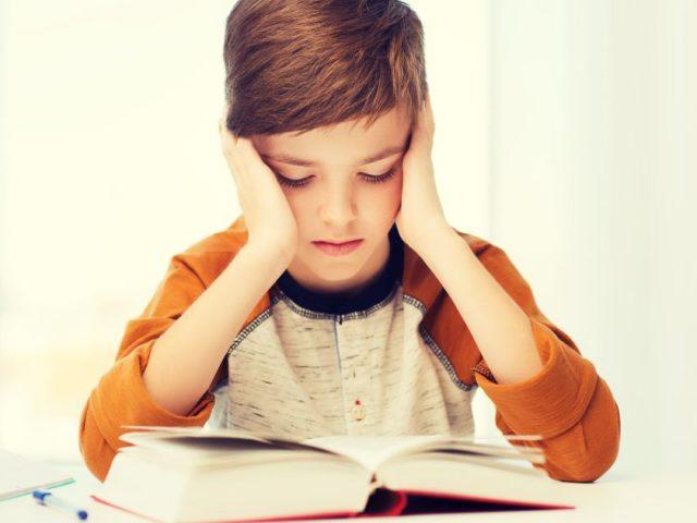 Tiltakoznak a szülők: ne kényszerítsenek egyentankönyveket a gyerekekre!